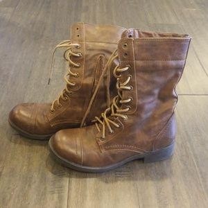 Light Brown Boots , SZ 7.5